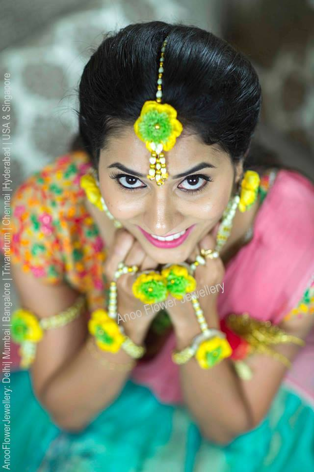 Buy Fresh Flower Jewellery Online
